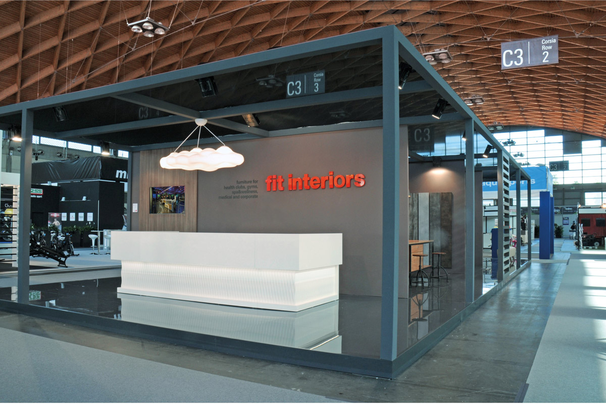 Fit_Interiors_Stand
