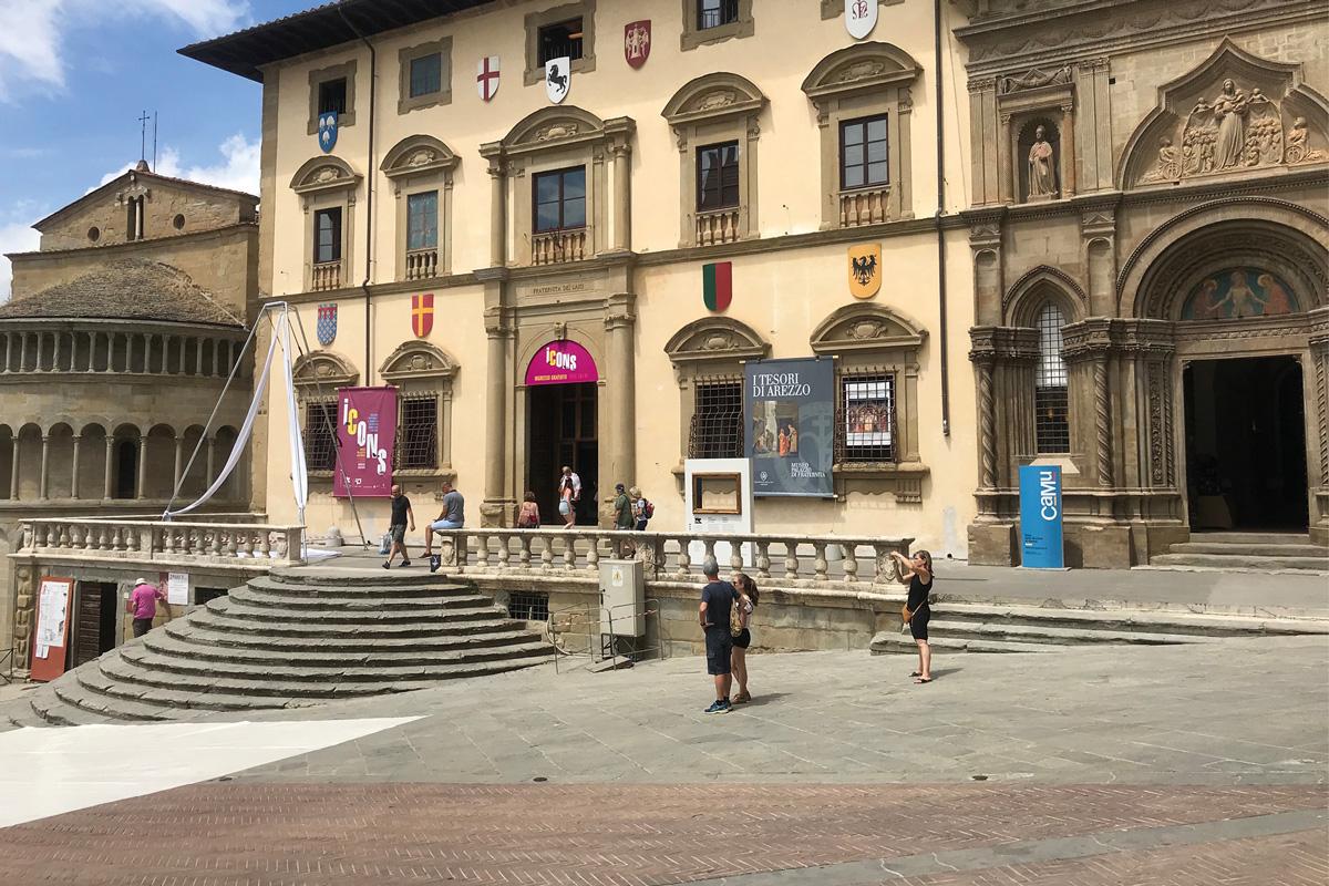 icons, arezzo, fiera antiquaria, piazza grande